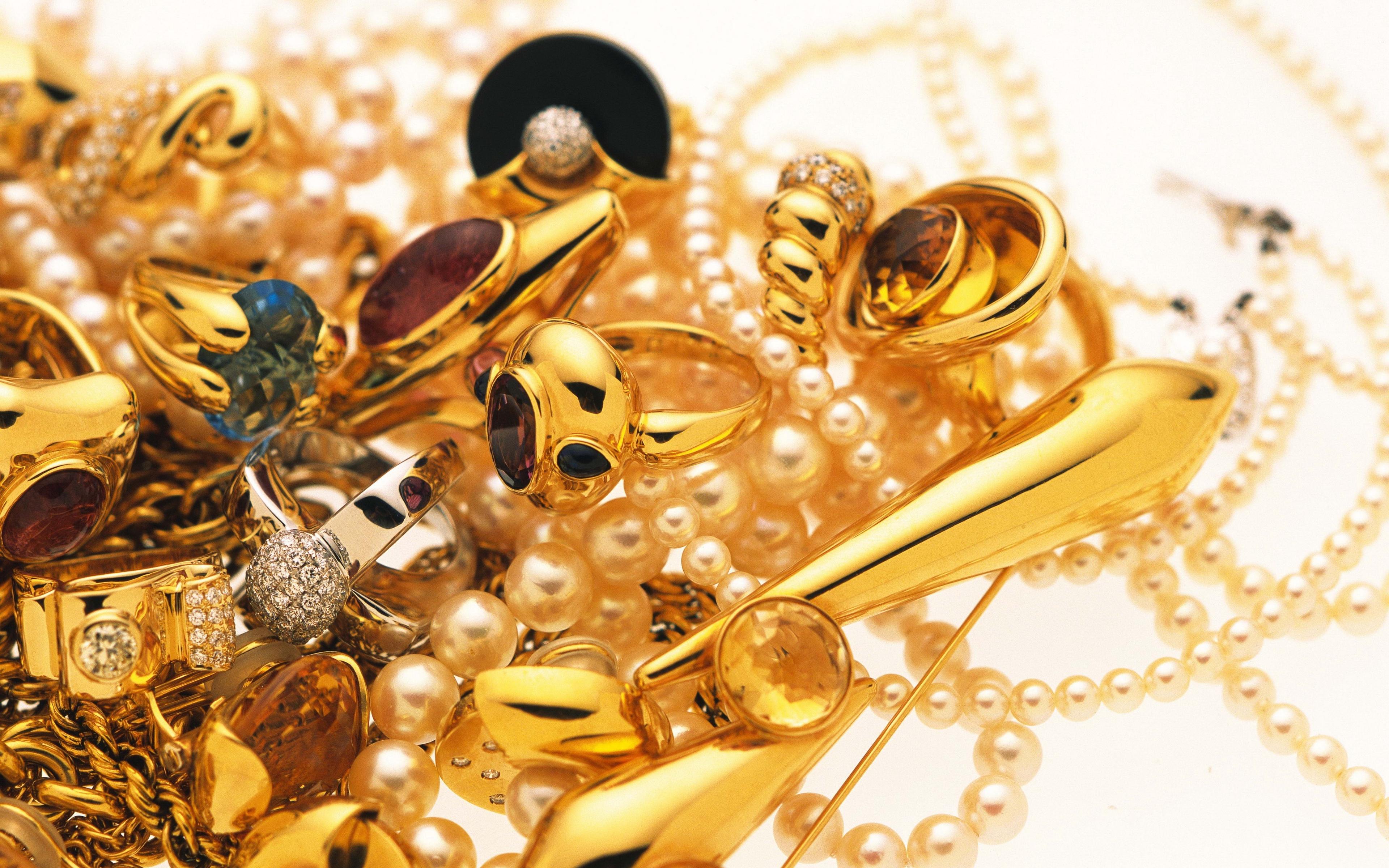 Экспертиза золотых изделий в Москве